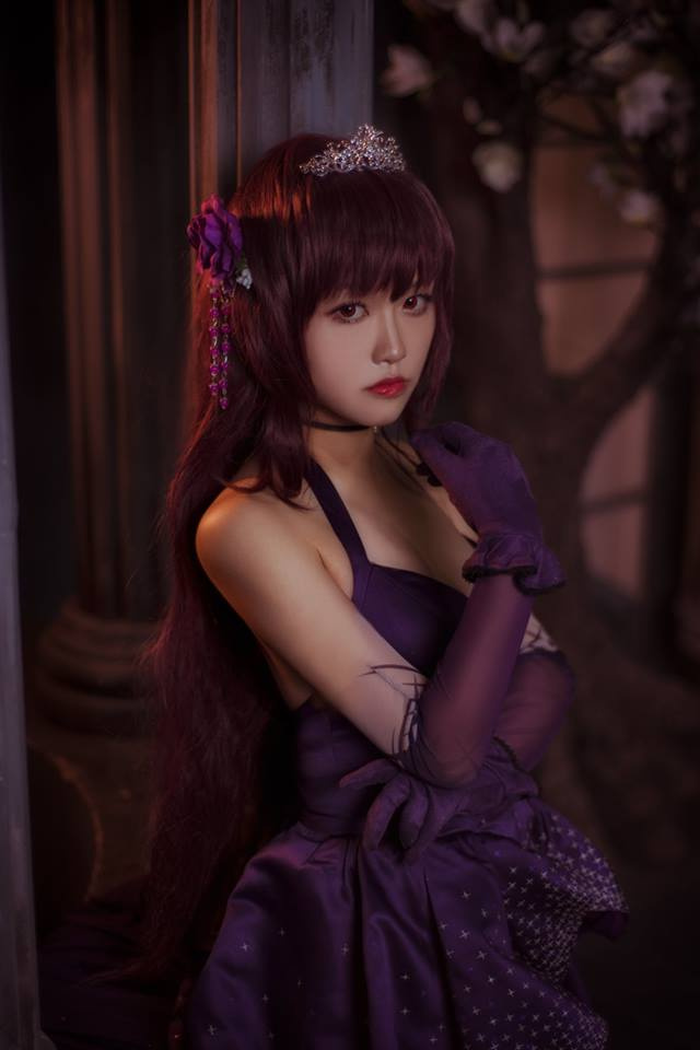 Cosplay Scathach cực quyến rũ trong Fate/Grand Order