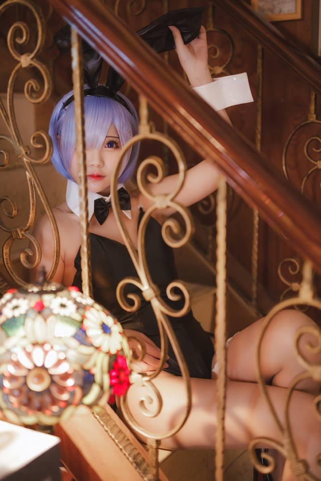 Phát mê với cosplay Rem cực gợi cảm trong Re:Zero đốn tin fan hâm mộ