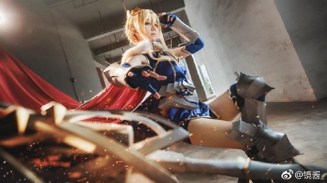 Mê mẩn với cosplay Lancer Arturia cực quyến rũ trong Fate/Grand Order