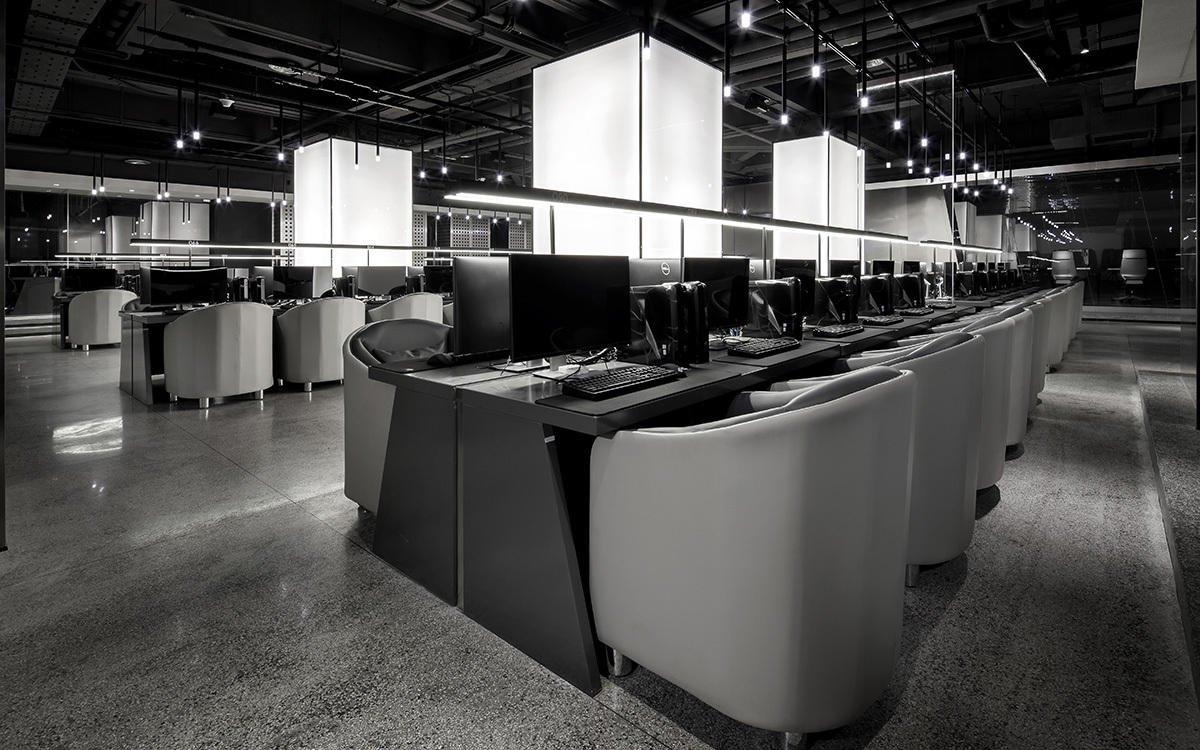 Ngắm nhìn Internet Gaming Cafe siêu 'khủng' vừa ra mắt của Châu Kiệt Luân