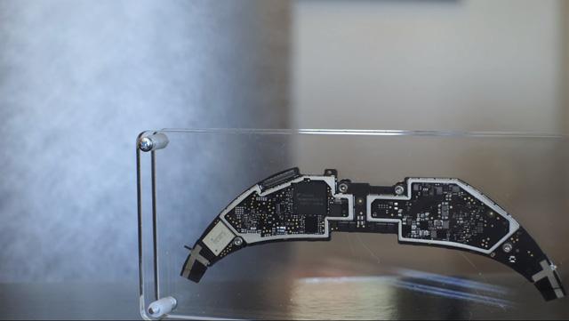 Tại sao kính VR của Microsoft lại đẳng cấp nhất?