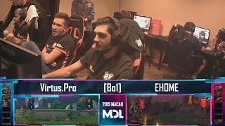Virtus.pro thản nhiên chơi Apex Legends khi đang Ban/Pick tại giải đấu Dota 2 trị giá 7 tỷ đồng
