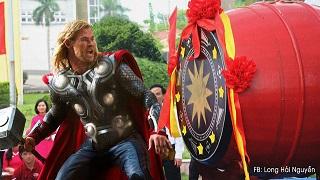 Cười rớt hàm khi các siêu anh hùng chọn Việt Nam làm nơi nghỉ hưu