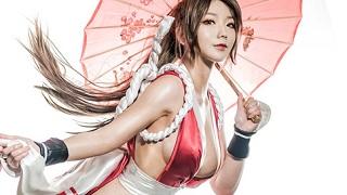 """Tha hồ """"mất máu"""" với cosplay đả nữ Mai Shiranui từ King of Fighters"""