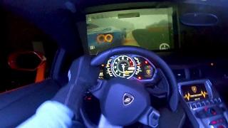 Dùng siêu xe 9 tỷ đồng làm điều khiển chơi game đua xe