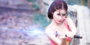 Diễm My 9x tung bộ ảnh cosplay game đầy thu hút