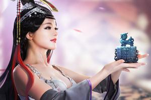 Túy Online tung ảnh cosplay gợi cảm trước ngày ra mắt