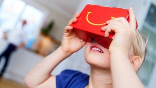 Làm kính VR chơi game từ vỏ hộp bánh McDonald's