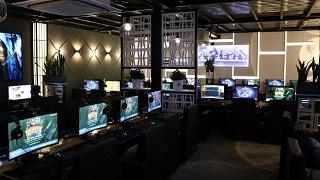 Ấn tượng với phòng máy 'chiến' PUBG hàng đầu tại TP.HCM