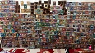 Nữ fan cuồng Yu-Gi-Oh dùng bài magic làm giấy dán tường