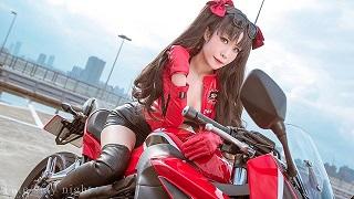 Cosplay mỹ nữ Rin Tohsaka cực ngầu đầy gợi cảm trong Fate/Stay Night