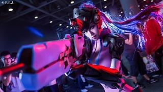 Chiêm ngưỡng cosplay Widowmaker nóng bỏng không kém gì phiên bản gốc