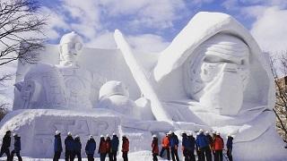 Những tượng tuyết khổng lồ khiến fan Star Wars, Final Fantasy phấn khích