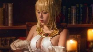 Phát sốt với cosplay Nero đầy mê hoặc trong Fate/Grand Order
