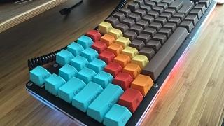 Chiêm ngưỡng bộ bàn phím với sự phối màu một cách hoàn hảo của game thủ