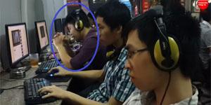 Nam thanh niên thất tình nghe nhạc xong bật khóc tại quán net