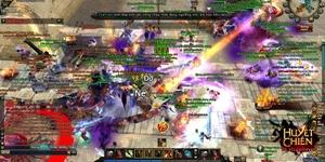 Game thủ chen chúc nhau thử làm Đế Vương trong game Huyết Chiến