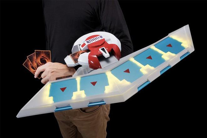 Bandai-Namco cho đặt trước bàn đấu bài Yu-Gi-Oh! loại xịn có loa và đèn nhấp nháy, giá 4,5 triệu đồng