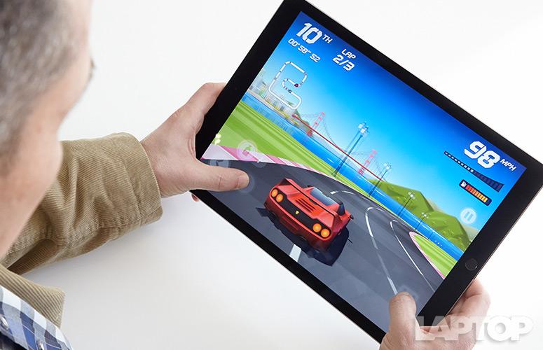 Apple iPad Pro 9.7-inch là máy chơi game đáng đồng tiền bát gạo nhất thế giới
