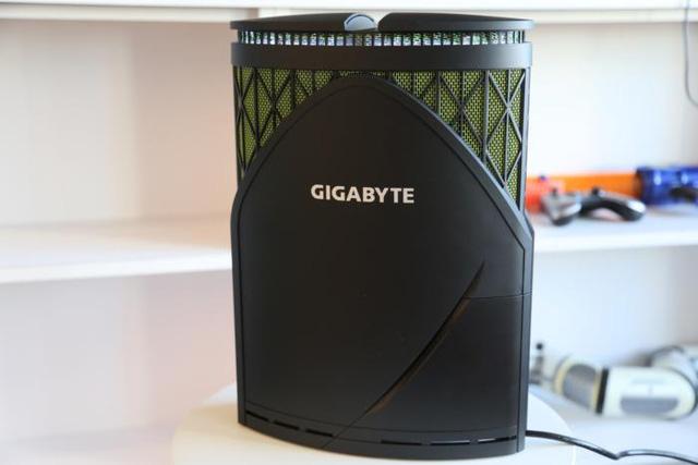 Gigabyte Gaming GT – PC gaming nhỏ gọn hầm hố cực ấn tượng