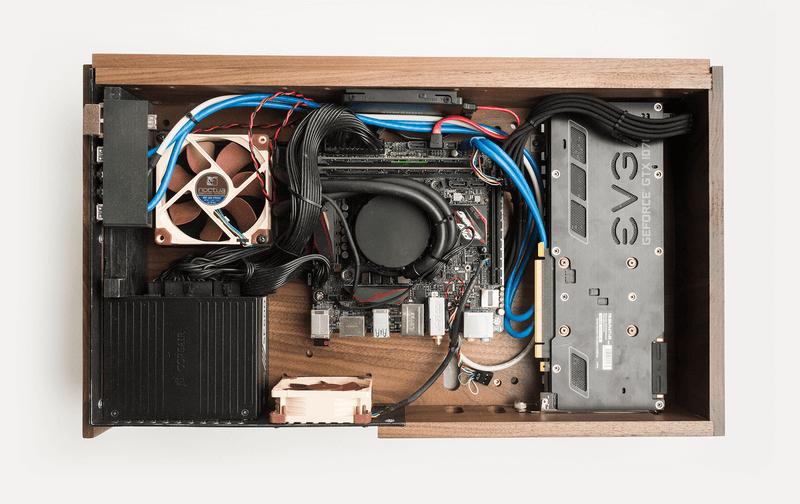 Bạn có tin không? Cái hộp gỗ này là 1 chiếc PC đấy!