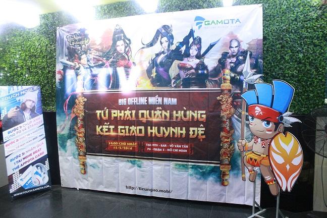 Không thể nóng hơn cùng màn PK lột đồ tại Offline Tiếu Ngạo Giang hồ Mobile Sài Gòn