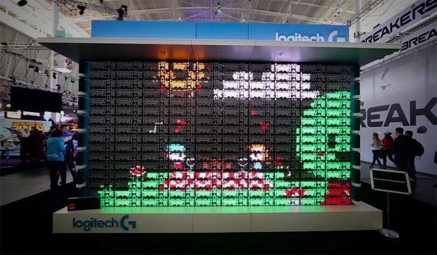Độc đáo với màn hình được tạo ra từ 160 chiếc bàn phím cơ