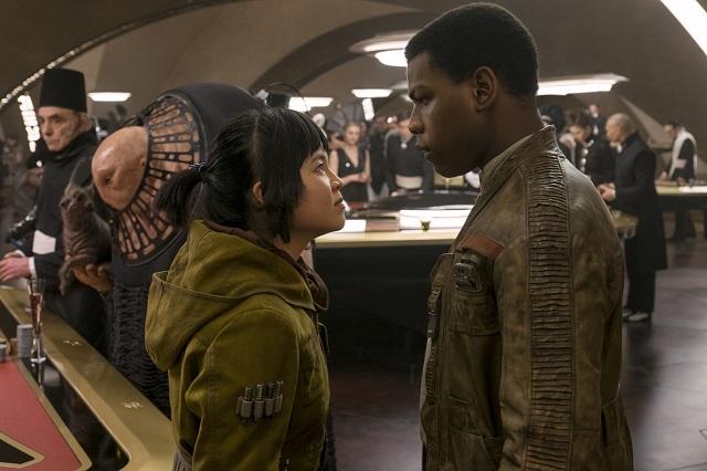 Disney bất ngờ thả thính trailer cho bom tấn Star Wars: The Last Jedi