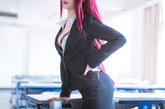 Nóng mắt với cosplay nữ giáo viên siêu nuột trong Fate/Grand Order