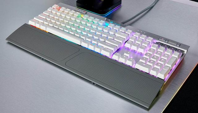 Corsair giới thiệu 2 chiếc bàn phím cơ mới cực hot: K70 RGB MK.2 và Strafe RGB MK.2